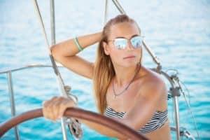 Glänzende Aussichten: Sommer-Trend verspiegelte Sonnenbrillen